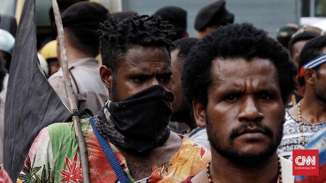 Belasan Warga Papua Sambangi Mapolda Metro Jaya